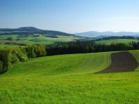 Pohled z Lázku na Bukovou horu
